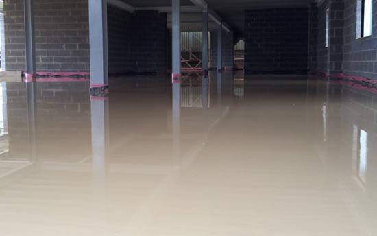 Screeding a warehouse